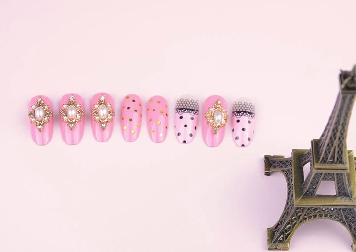 New Arrival Decorated 3D fake nails 24pcsset Resinstone acrylic false nail tips 3D Manicure nail wholesale direct married bride 3