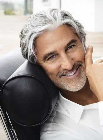 Ooh, white, silvery gray can be sooo damn sexy, he's even got