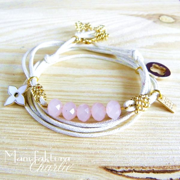 Minimalistic bracelet with pink glass beads