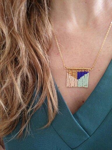 Beaded necklace. Inspiration - Collier géométrique aux couleurs de l'été