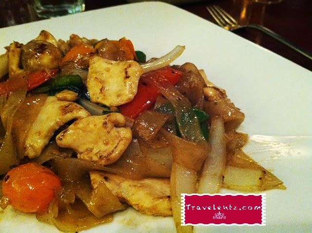 Pad Kee Mao Dinner at Jasmine Thai Restaurant ~ Travelentz