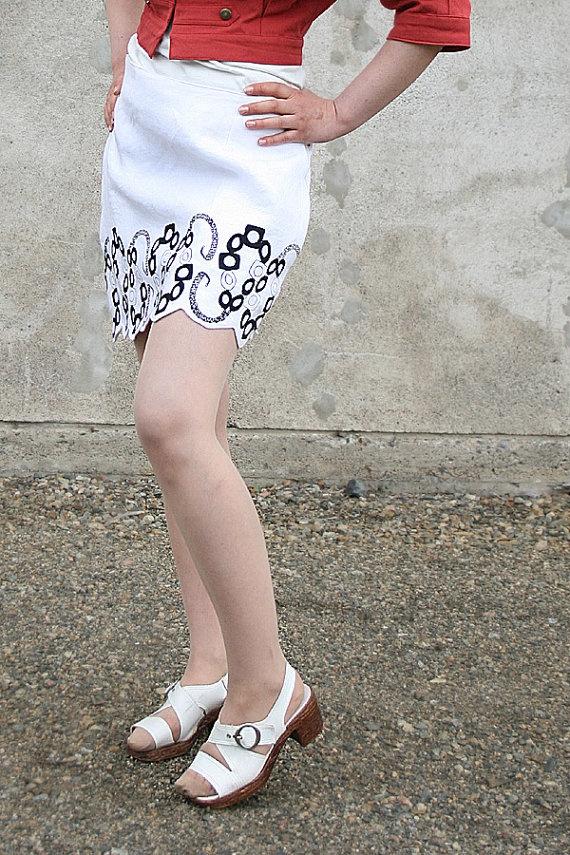 Short asymmetrical linen mini skirt with a jewelry by KaikaByAnu, €75.00: Linens Minis, Minis Skirts, Minis Dog Qu, Mini Skirts