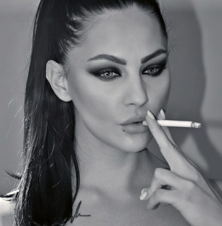 hot girl smoking cigarettes