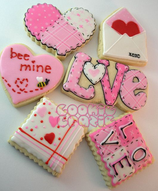 Valentine's Day Cookies - love the stiching & quilt effect