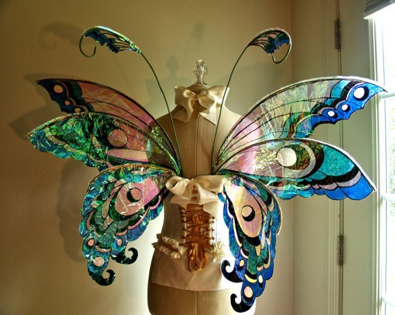 These ROCK! I would wear these bad boys freaking EVERYWHERE! With a tutu! And a tiara! Man, i want to be six again. Faerie wings by WhimsyEverlasting on Etsy