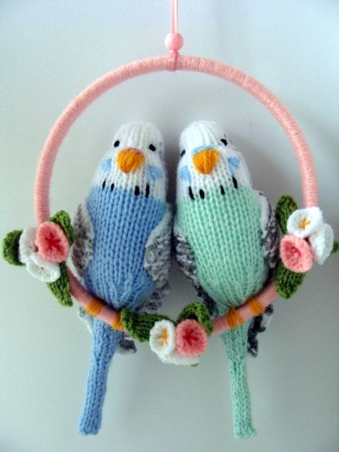 Cool idea, decorate an embroidery hoop and use it like a swing for a doll or stuffie.
