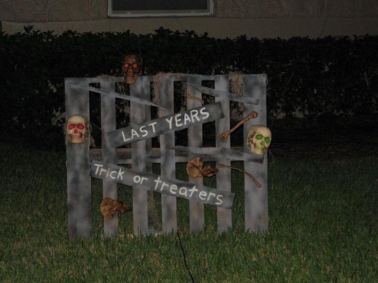 static halloween sign