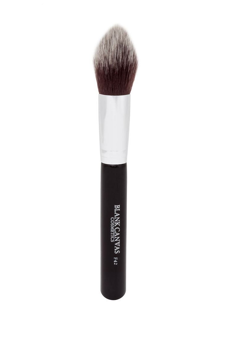 Currently OUT OF STOCK - due back in circa 28th Jan. This is a vegan friendly version of the F16.  Purpose: for face and cheeks  Ideal for: sculpting, contouring, blending ,powdering and highlighting the face. It's tapered tip helps apply product with precision. Shade or highlight your cheeks to a seamless finish. Tip: Best used with cream and powder products.
