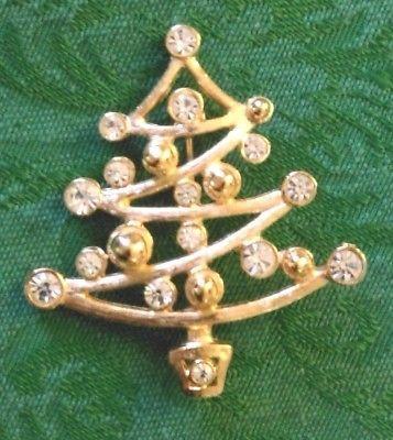 Holiday-Christmas-Tree-Brooch-Pin-Gold-Tone-w-Clear-Bezel-Set-Rhinestones