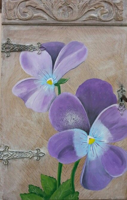 Made by myself, viooltjes op sloophout, oud kastdeurtje, old wood, violets, buiten schilderij