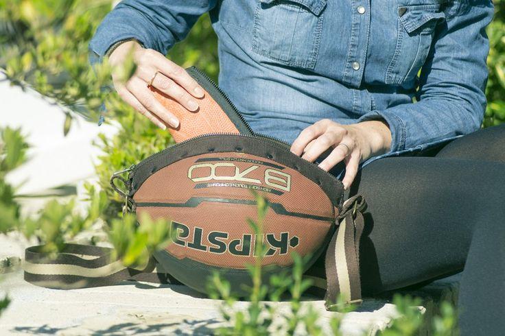 Trousse en ballon de basket Sakapen et sac à main en ballon de basket Sakaball - Shooting produits Reversible eco-design, by Créations Françaises, Crédits photos PAT