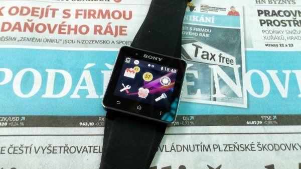Sony SmartWatch 2: Hodinky od Sony jsou funkcemi vpředu, ovládáním zůstávají v minulosti http://tech.ihned.cz/testy/c1-61015570-test-sony-smartwatch-2-android-galaxy-gear