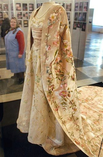1896 Marie of Romania's gown worn to Nicholas II's coronation.