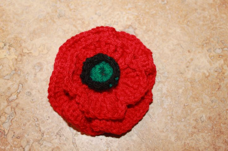 Crochet double poppy for Remembrance Day