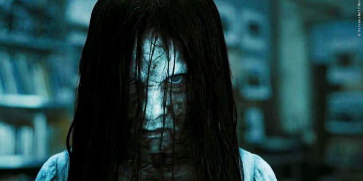 Brunnen-Mädchen Samara verbreitet in The Ring 3 wieder Angst und Schrecken. Es dauert aber leider etwas länger, bis wir nur noch sieben Tage zu Leben haben. Hier erfahrt ihr das neue Datum: Rings Kinostart verschoben ➠ https://www.film.tv/go/35432  #Rings #TheRing3 #Samara