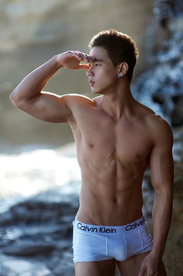 модели молодые парни азиаты женских эрогенных зон