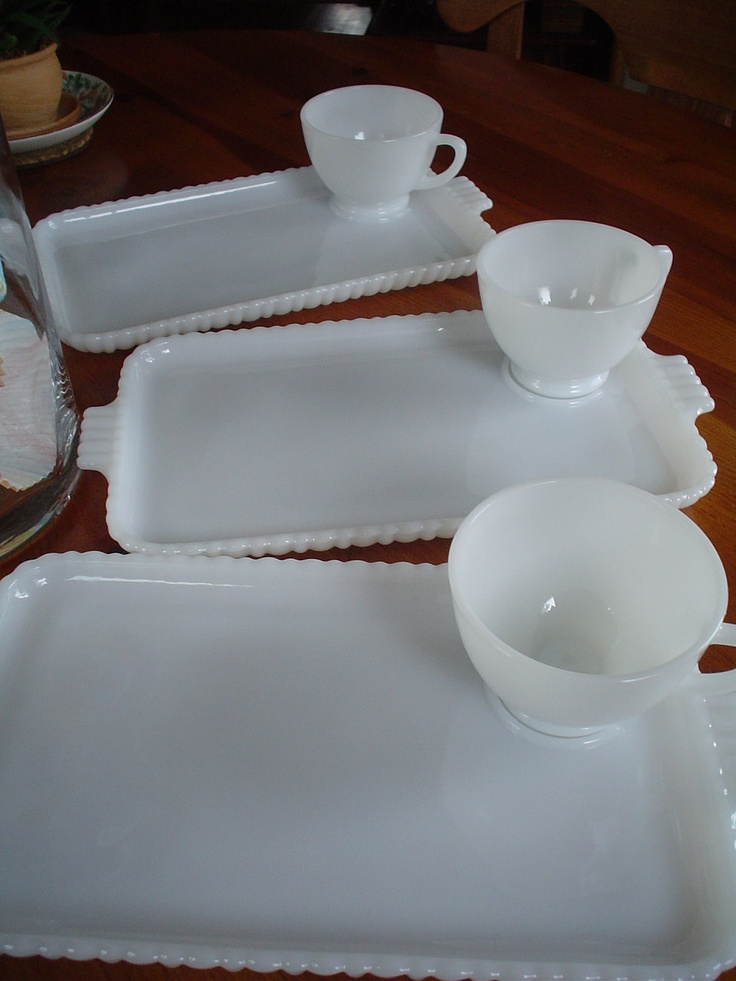 Vintage Milk Glass Retro Luncheon Plates and Cups Set of Four Less than 25 & 51 best Luncheon Sets images on Pinterest | High tea Tea cup and ...