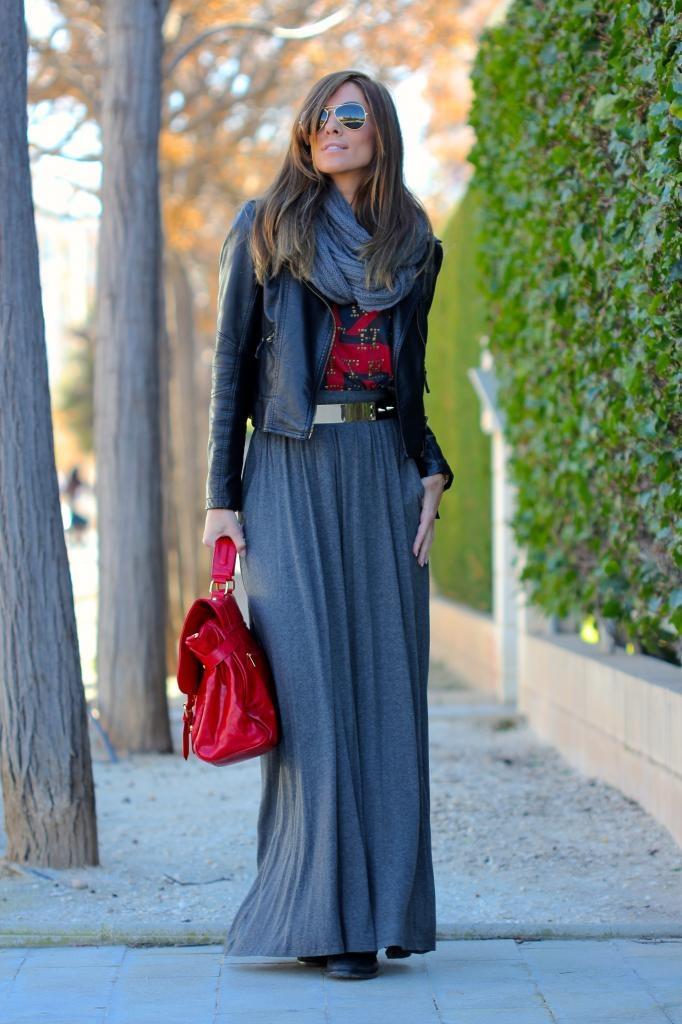 Um jeito super bacana de usar saias longas no inverno com botas!
