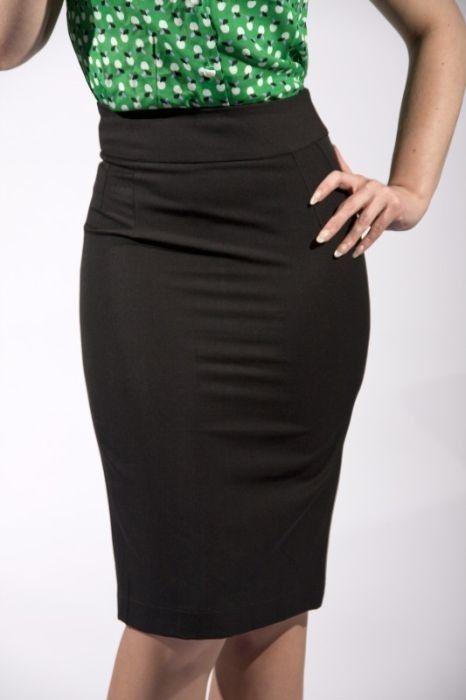 Very Cherry - Classic Pencil Skirt Black €67,50