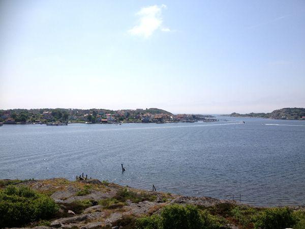 http://inredningsvis.se/sommarinspiration-bla-som-himmel-hav/    Sommarinspiration: Blå som himmel
