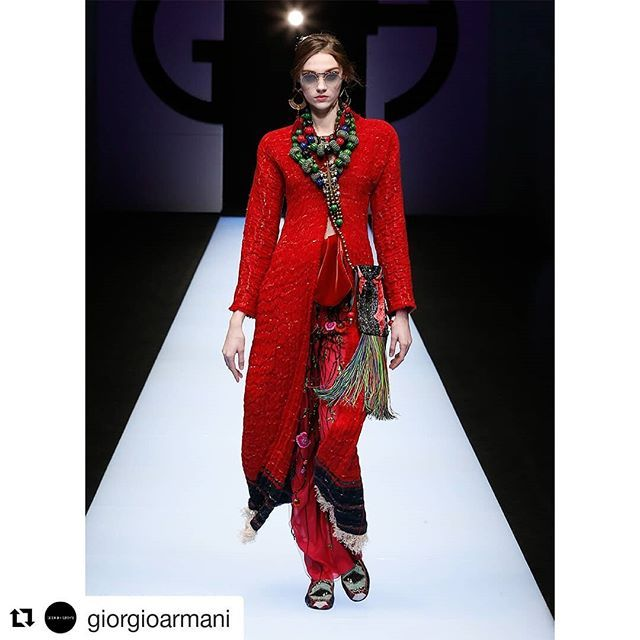 #Repost @giorgioarmani (@get_repost)  Colours ranging from crimson red to cobalt blue enhanced by intricate beading with global inspirations punctuate the #GiorgioArmani FW 18-19 fashion show collection #mfw