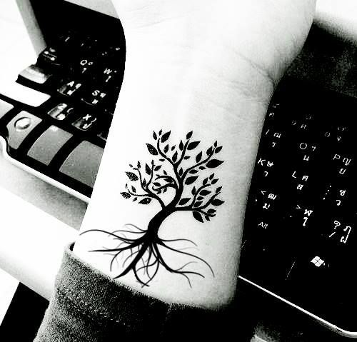 Great designs for tree tattoos made with henna!