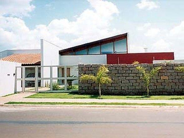 Frente-de-casas-com-muros-de-pedras-011