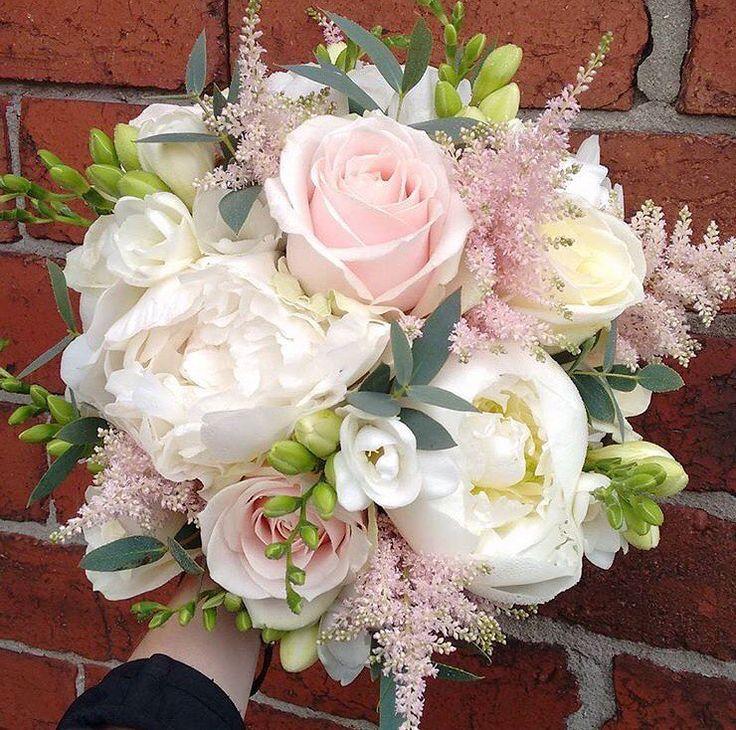 Have a lovely week! Bouquet by @firstblush_dawn #meijerroses #weddinginspiration #weddingideas #weddingflowers #weddingdecor #bride #flowers #flowerstagram #flowerslover #roses