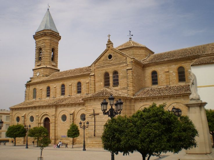 http://archivos.wikanda.es/jaenpedia/Iglesia_de_Nuestra_Se%C3%B1ora_de_la_Asunci%C3%B3n.JPG