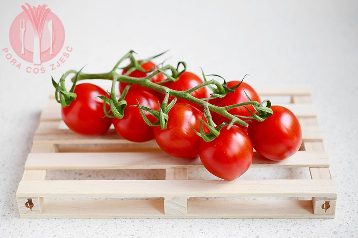 Food photography, food art - cherry tomatoes.