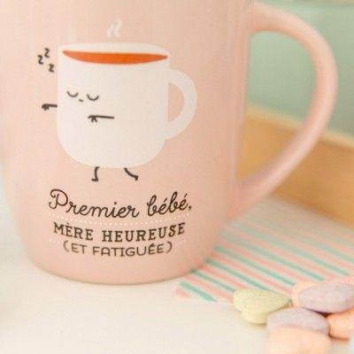 Le mug Premier bébé, mère heureuse et fatiguée par Mr Wonderful est un cadeau original qui fera son effet auprès des jeunes mamans.