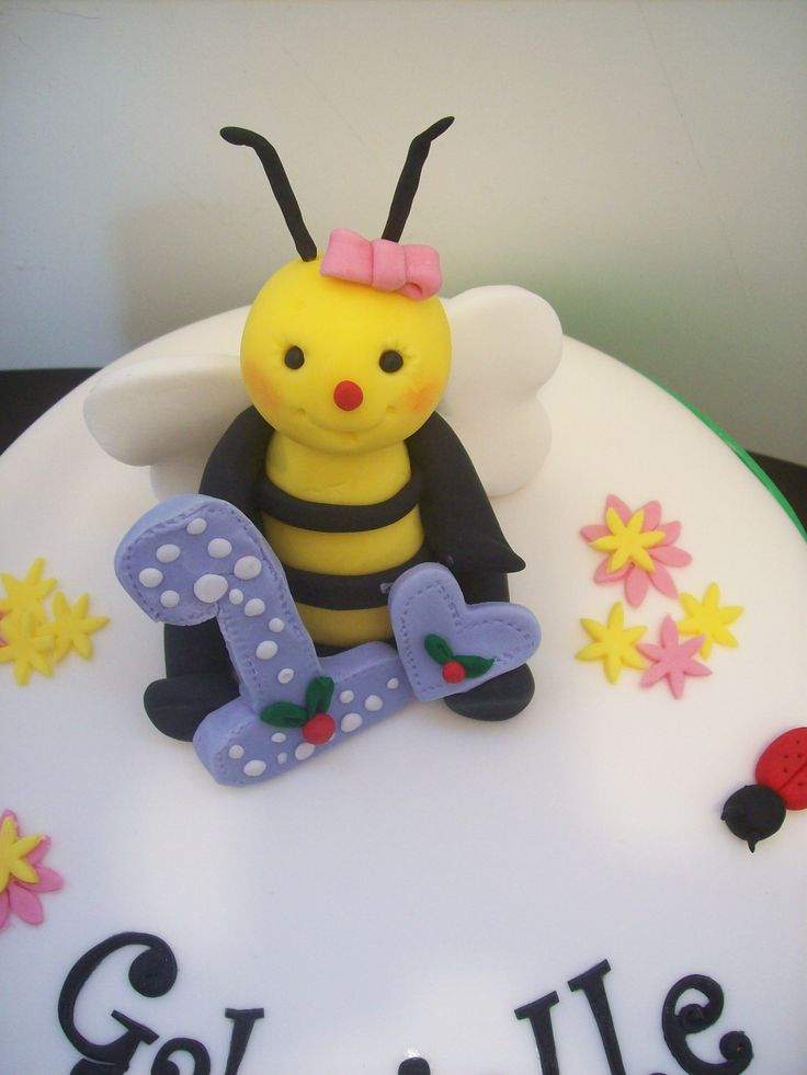 Bumble Bee Cake Topper