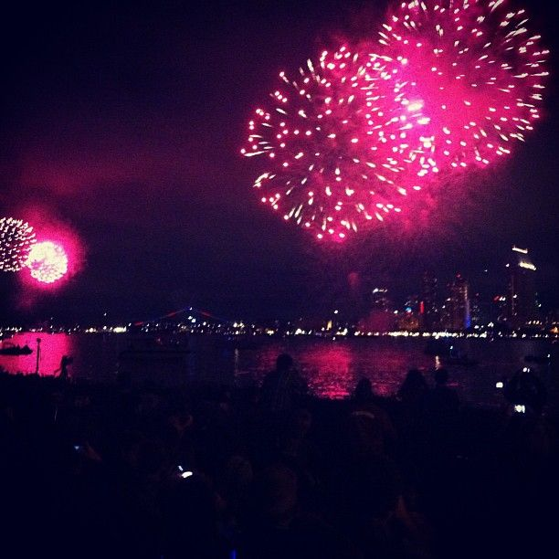 Firework at the San Diego Bay on July 4th!