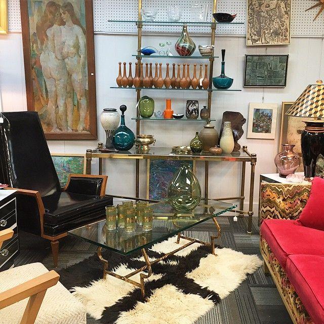 Good stuff galore at Warren Street Antiques in Hudson NY! #vintageart #vintageglass #vintagepottery #furniture #lighting and more! #hudsonny #hudsonvalley #warrenstreet #upstate
