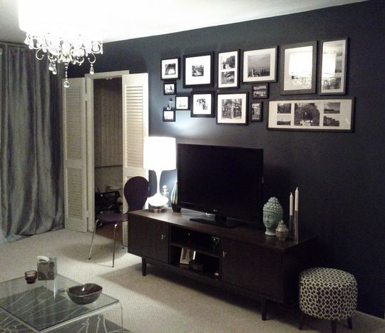 "Dark Blue Wall- Benjamin Moore- ""Blue Note"""