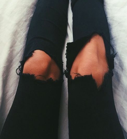 Comfy black skinny jeans #MarlaSalas