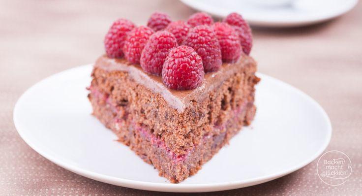 Eine gesunde Schokotorte ohne Industriezucker und Gluten, aber mit viel Geschmack - die perfekte Geburtstagstorte für alle, die sich bewusst ernähren!