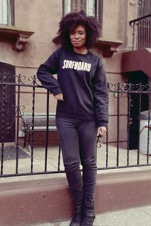 Natural Hair Vlogger/Blogger and Comedian, Akilah Hughes. #serfboardt I'm gonna need that sweatshirt lol