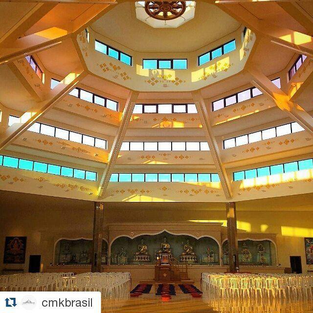Local de muita paz e inspiração ♡  #Repost @cmkbrasil com @repostapp ・・・ Este Templo foi construido para que mesmo as pessoas que não têm interesse pelos ensinamentos recebam algum benefício do Budismo – qualquer um, qualquer ser! ❤  #kadampa #kadampabrasil #budismo #templopelapazmundial #cabreuva #buddha #pazinterior