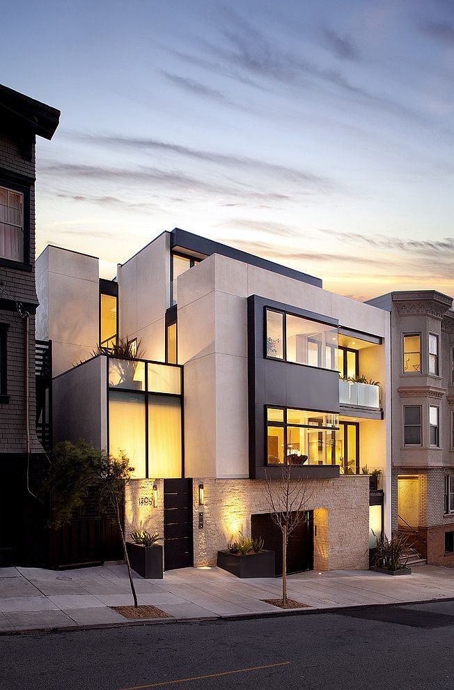 Modern house and futuristic style in Russian Hill, San Francisco. By John Maniscalco Architecture.