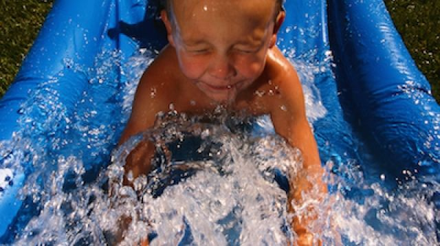 Summer is pool time which can mean chlorine sensitivity - Why eyes get red in swimming pool ...