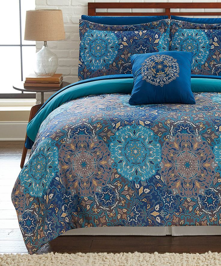 Refresh your bedroom in chic, contemporary style with this cozy comforter set.Includes comforter, two shams, two pillow cases, fitted sheet, flat sheet and decorative pillow100% polyesterMachine washImported