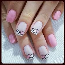 uñas rosa y frances blanco puntos y corazon