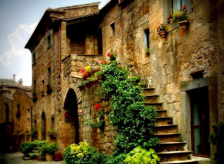 Old italian villas old town brick foilage greenery italy for 1 homes in italy