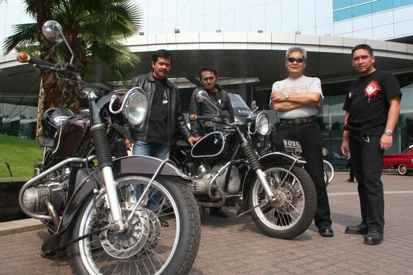With bro Suharno, founder of BMW Motorcycle Club Jakarta....