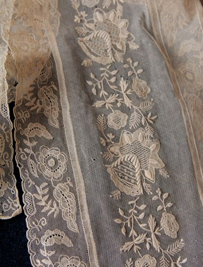 Antique lace -Colors:  Pale Taupe, Pale Blue/ Grey