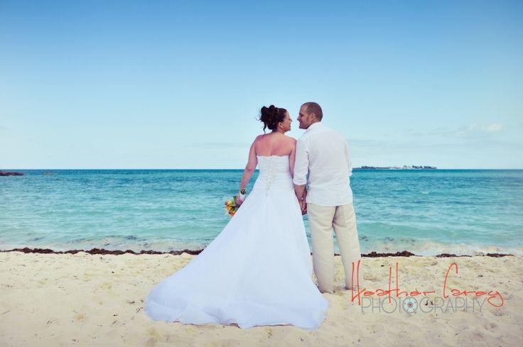 Amy + Austin | Poop Deck, Sandyport | by Bahamas Wedding Photographer Heather Carey » Heather Carey Photography: Bahamas Wedding Photography and Portrait Photography