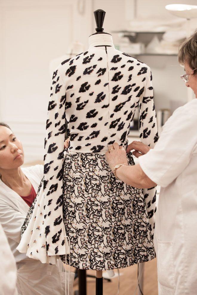 AH! CRUELLA QUAND TU NOUS TINS TU DÉTEINS...Le savoir-faire Christian Dior haute couture