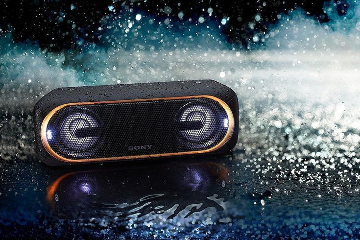 In addition, this Sony speaker features EXTRA BASS as well as dual passive radiators.