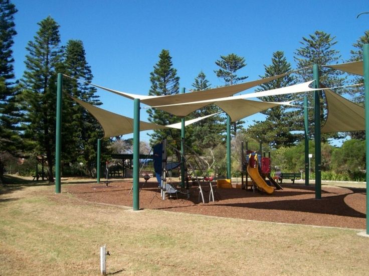 Apex Park - great family friendly park with a playground, beach nearby and several cafes. More info and pictures at: http://www.weekendnotes.com.au/apex-park-mona-vale/